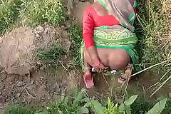 Indian Village Bhabhi Fucking Outdoor Sex In Hindi