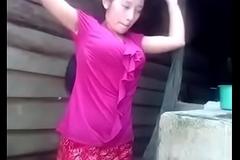 Desi cute girl enactment her nice figr