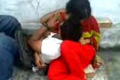 Bangladeshi School guy romance in Park - With Bangla Audio - Wowmoyback