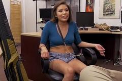 Navajo Girl Samantha Parker Tries take Pawn Her Boyfriend'_s Gun (xp15506)