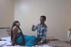 Indian Desi Girlfriend Enjoy Carnal knowledge involving Their way Boyfriend in Hotel