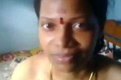 Tamil aunty hot marine boobs show and pussy fucking in aunty house