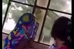 desi couple enjoying in backseat of teacher