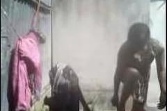 Bhabhi Dress Changing after bath open-air Hiddencam capture