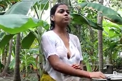 Indian hot cute servant girl showing her boobs and indigence violate neighbour at out door - Wowmoyback - XVI