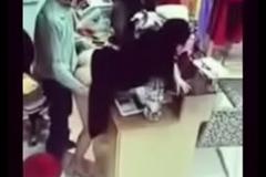 Girlfriend hardly lose one's heart to from break inside shop 1494353413120