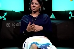 VID-20140211-PV0004-Chennai (IT) Tamil 25 yrs old unmarried beautiful and hot TV anchor Ms. Girija Sree (FM size # 38B-30-34) speaking sexily with sexologist nearly Padma Sree in Captian TV &lsquo_Andharangam&rsquo_ show sex video-4