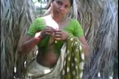 village aunty showing boobs