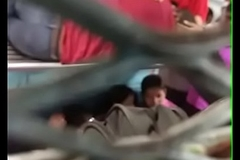 desi girl smooches his boyfriend in train