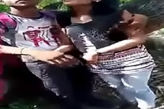 Indian Lovers Public Boobs and Pussy Fondled
