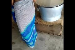 Indain unfledged saree aunty hot aunty