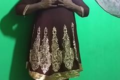 desi  indian tamil telugu kannada malayalam hindi horny vanitha showing big chest and shaved pussy  press hard chest press nip ill disclose pussy masturbation using cucumber