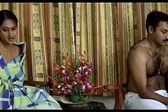 Aruguru Pativratalu First Night Scene- Desimasala.co