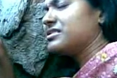 Cute Bengali Girl'_s Boobs Fondeled By Will not hear of Boy Friend Behind The Rocks