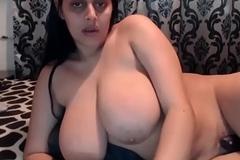 Rosa aunty huge natural tits milk migrant out - porn tube JuicyGirlCam xxx video
