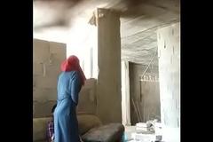Pareja de numbing India teniendo sexo en un lugar abandonado