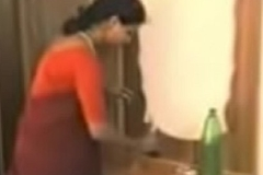 red saree lady bumping off dress and liking with young guy.3GP