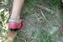 देशी ललिता भाभी को खेत में लपका कर चोदा
