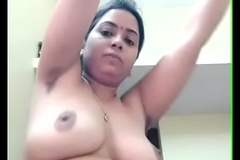Mumbai housewife exposing her chubby voluptuous body to husband