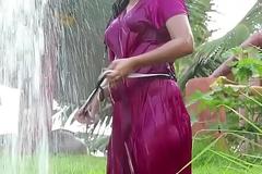 desi hot girl enjoy paniwala dance in bikni (hot photoshoot in bikni 2017)